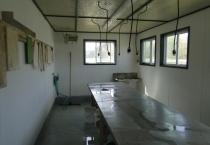 Bait house 002