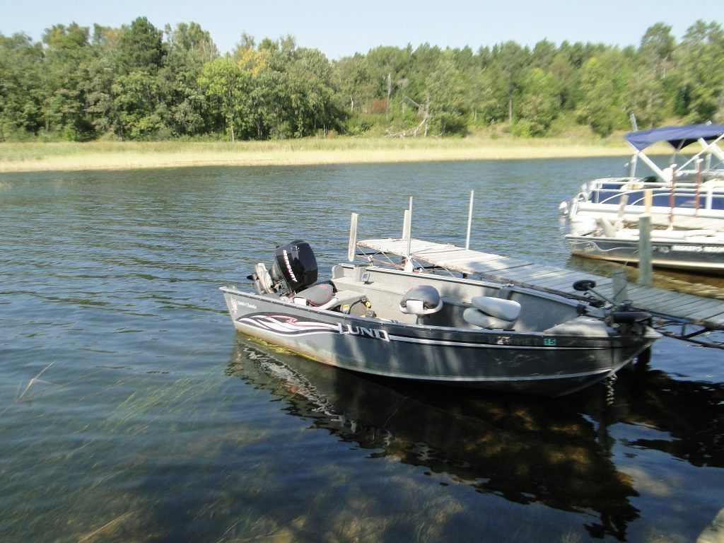 Lake winnibigoshish boat rentals pontoon rentals for Fishing boat rental